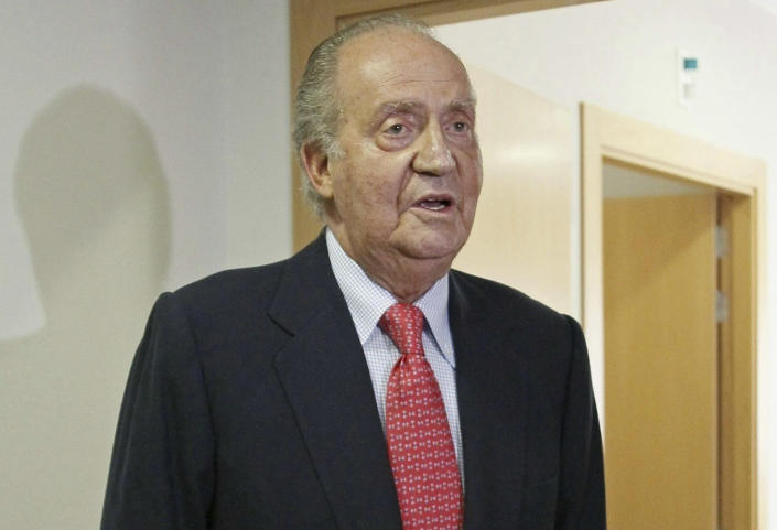 """Spain's King Juan Carlos prepares to leave a hospital in Madrid Wednesday April 18, 2012. Spain's King Juan Carlos says he is sorry for having gone on African elephant-hunting trip. In an unprecedented gesture, the 74-year-old monarch said he was """"very sorry. I made a mistake. It won't happen again."""" The king came under scathing criticism this week after he went on a safari trip to Botswana as Spain writhes in its one of its worst ever economic crises. The trip came to light when the king ended up having to be taken to hospital for hip treatment after having fallen. (AP Photo/Paco Campos,Pool)"""