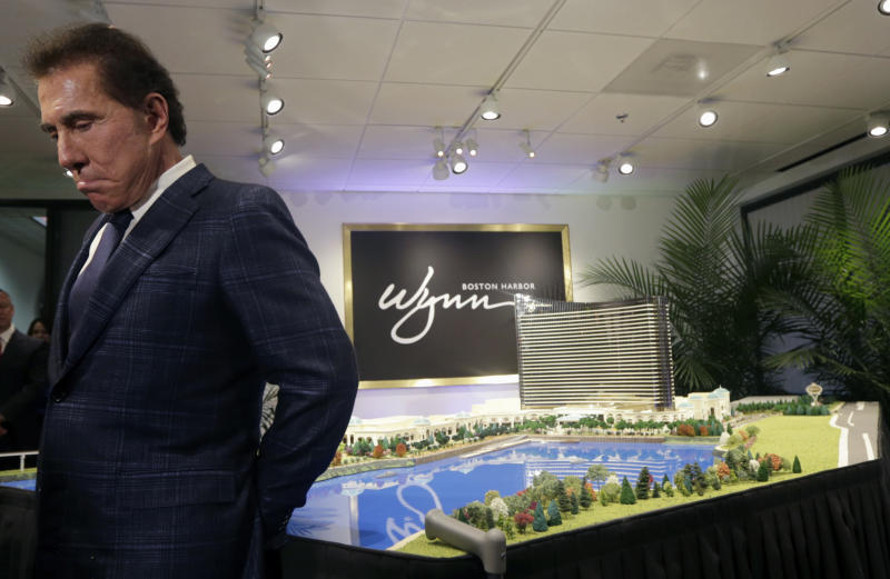 Wynn case raises question: When do investors need to know?