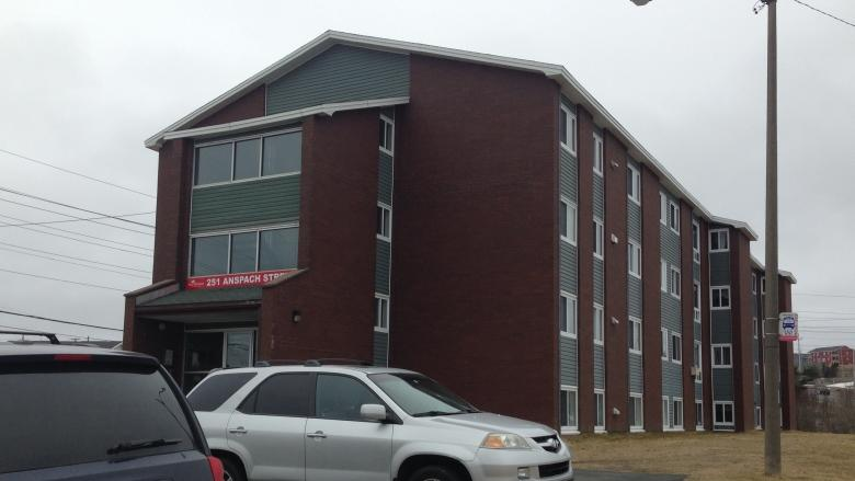 Apartments temporarily evacuated after stabbing, standoff in St. John's