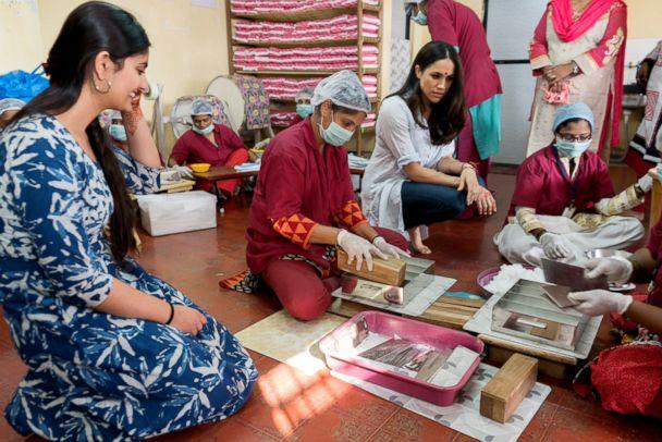 PHOTO: Meghan Markle meets with women in India on a visit with the Myna Mahila Foundation. (Corey Scarrow/World Vision Canada)