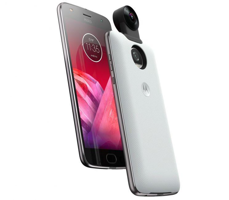 The Moto Mod 360 camera connected to the Z2 Force.