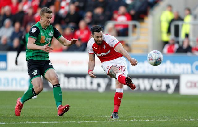 "Soccer Football - League One Play Off Semi Final Second Leg - Rotherham United vs Scunthorpe United - AESSEAL New York Stadium, Rotherham, Britain - May 16, 2018 Rotherham United's Richie Towell shoots at goal Action Images/Ed Sykes EDITORIAL USE ONLY. No use with unauthorized audio, video, data, fixture lists, club/league logos or ""live"" services. Online in-match use limited to 75 images, no video emulation. No use in betting, games or single club/league/player publications. Please contact your account representative for further details."