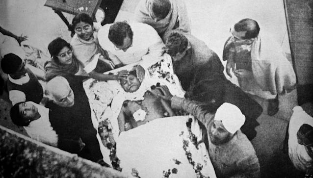 Funeral of Mohandas Karamchand Gandhi after he was assassinated in the garden of Birla House, on 30 January 1948. Gandhi (1869 - 1948), was the preeminent leader of the Indian independence movement in British-ruled India. Employing nonviolent civil disobedience, Gandhi led India to independence and inspired movements for civil rights and freedom across the world. (Photo by: Universal History Archive/ Universal Images Group via Getty Images)