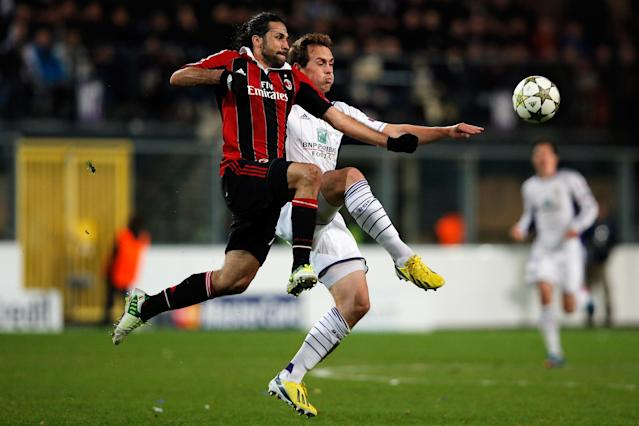 ANDERLECHT, BELGIUM - NOVEMBER 21: Tom De Sutter of Anderlecht and Mario Yepes of AC Milan battle for the ball during the UEFA Champions League Group C match between RSC Anderlecht and AC Milan at the Constant Vanden Stock Stadium on November 21, 2012 in Anderlecht, Belgium. (Photo by Dean Mouhtaropoulos/Getty Images)