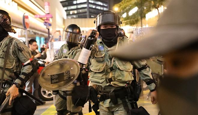 Brief confrontations took place between police and the protesters during the rally. Photo: K. Y. Cheng