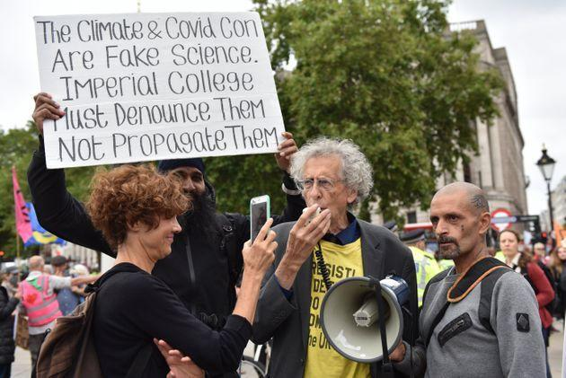 Piers Corbyn protesting climate activists Extinction Rebellion in London in 2021 (Photo: John Keeble via Getty Images)