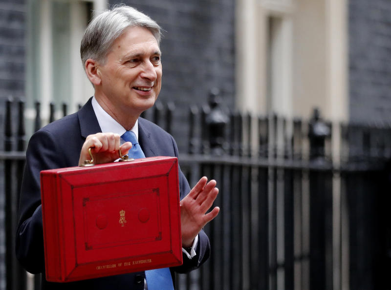 UK budget sees economy wilting under Brexit pressure