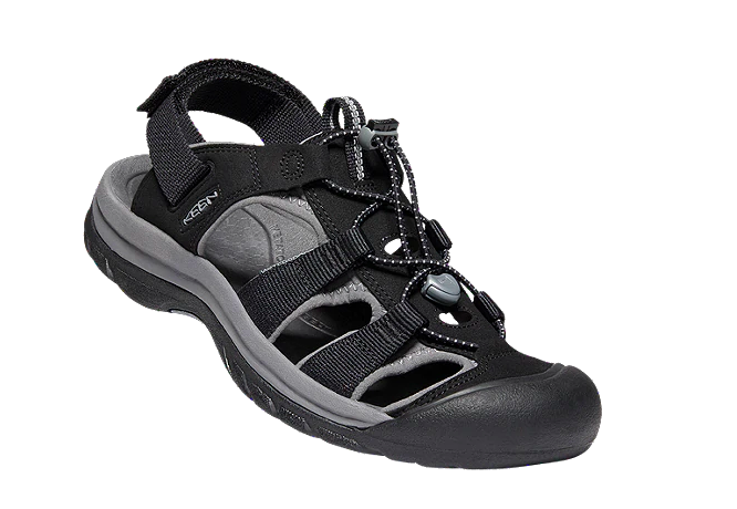 Sport Chek is having a major sale on sandals right now, but it ends soon.
