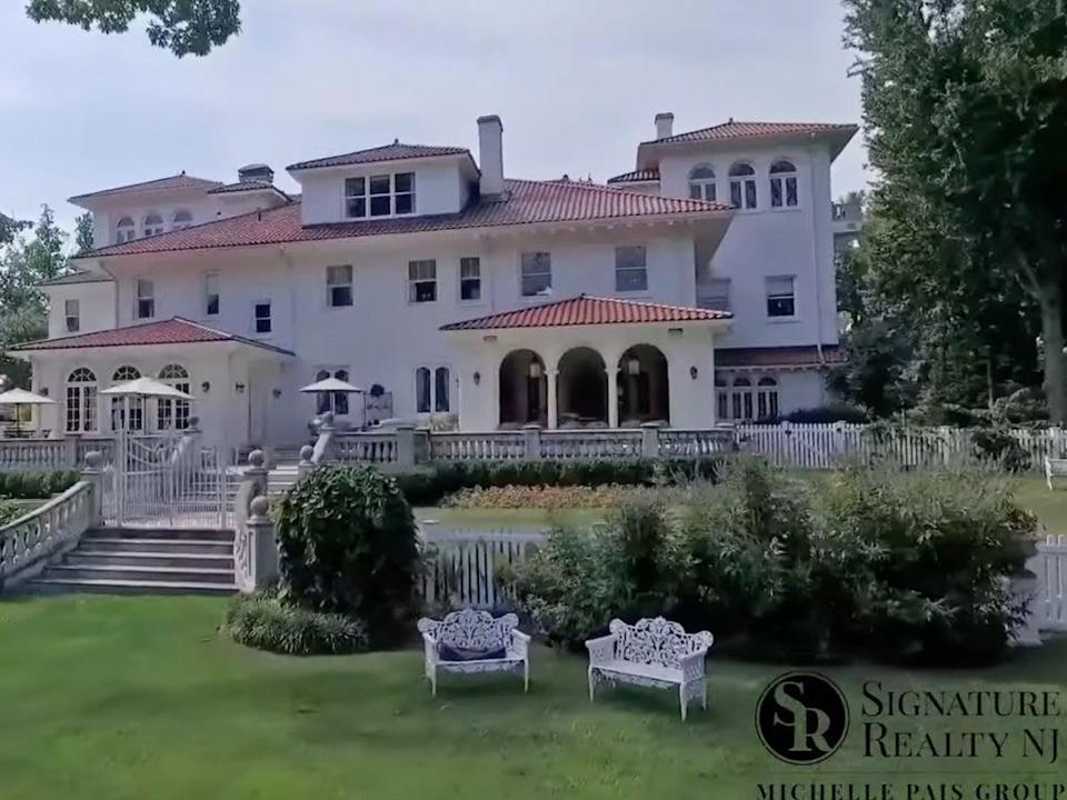 New Jersey mansion listed for $39 sells for just $4.6m (Signature Realty NJ)