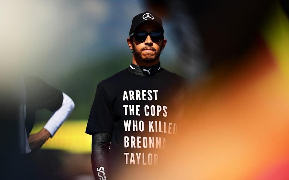 Lewis Hamilton of Great Britain and Mercedes GP wears a shirt in tribute to the late Breonna Taylor on the grid before the F1 Grand Prix of Tuscany at Mugello Circuit on September 13, 2020 in Scarperia, Italy - Mario Renzi - Formula 1