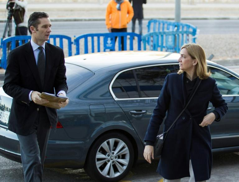 Spain's Princess Cristina (R) and her husband, former Olympic handball player, Inaki Urdangarin arrive for a hearing in their trial in Palma de Mallorca on February 26, 2016
