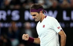 Australian Open: Roger Federer advances to quarter-finals