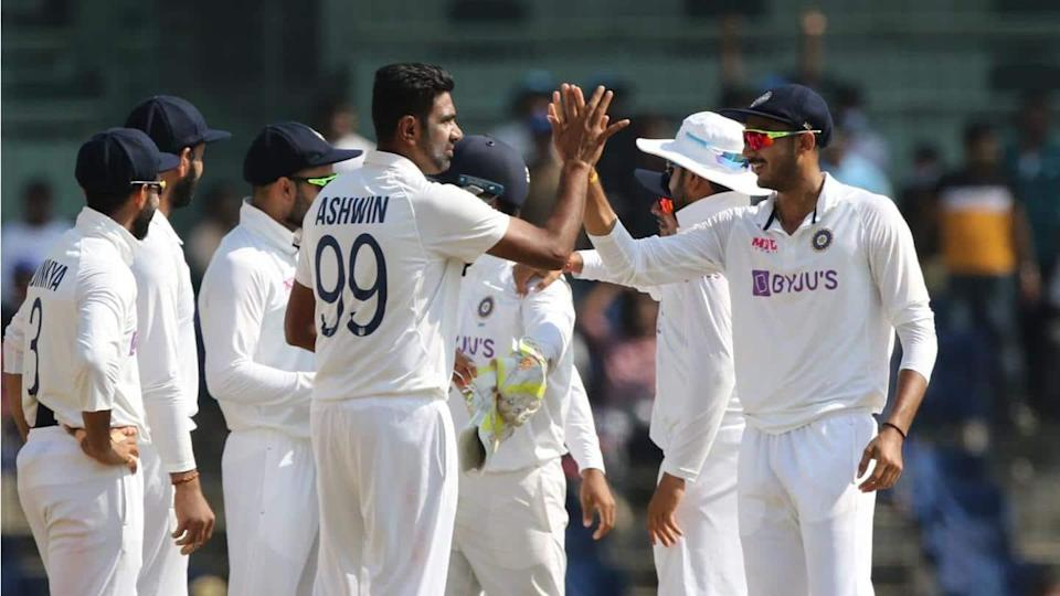 India vs England: Indian spinners disarray the visitors