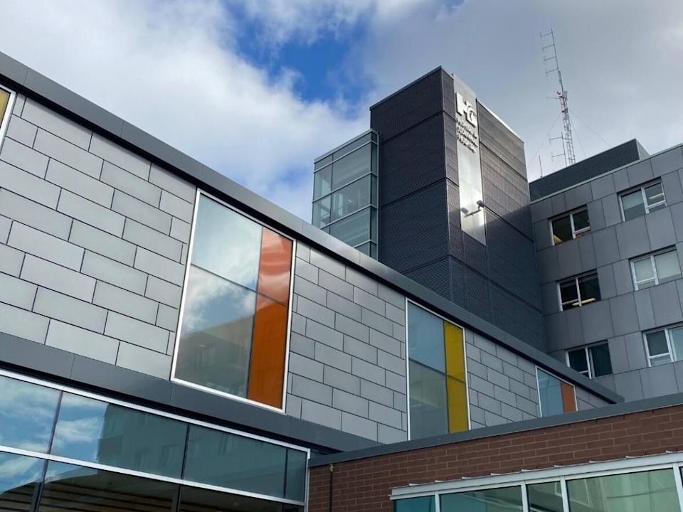 Non-urgent surgeries have been temporarily put on hold at the Cornwall Community Hospital because of an influx of COVID-19 patients requiring hospitalization. (Cornwall Community Hospital/Facebook - image credit)