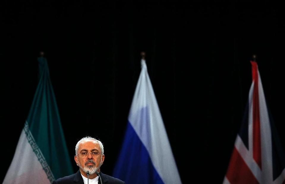 Iranian Foreign Minister Mohammad Javad Zarif speaks about the Iran nuclear talks deal in Vienna, Austria on July 14, 2015 (AFP Photo/Carlos Barria)