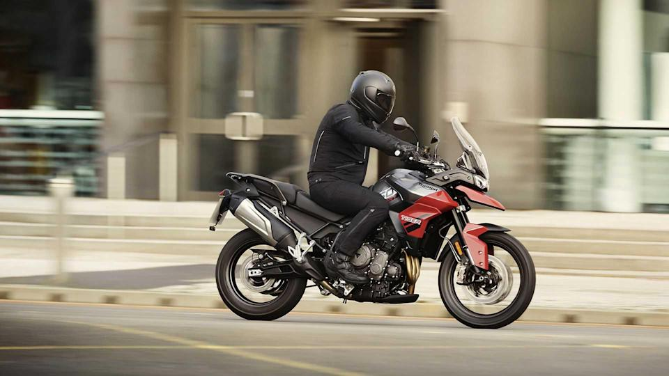 2021 Triumph Tiger 850 Sport, Action, Diablo Red, Right Profile