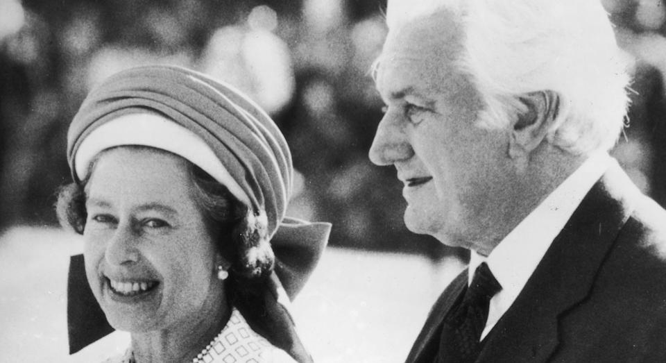 5th April 1977:  Sir John Kerr, the Governor-General of Australia, escorts Queen Elizabeth II to her aircraft at Perth Airport, following her Jubilee Tour of the country.  (Photo by Central Press/Getty Images)