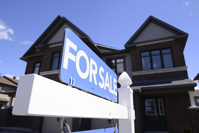 Home prices could fall 7 per cent in 2021, hitting Prairies hard: Moody's forecast