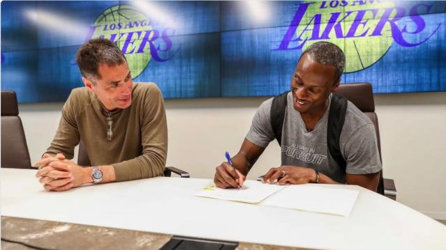 Andre Ingram got a two-game contract with the Los Angeles Lakers after playing in the G League for 10 seasons. (Twitter/Lakers)