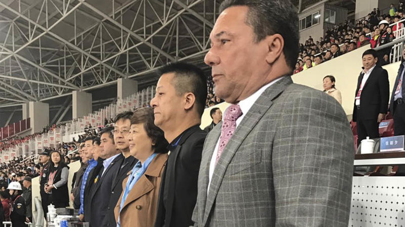 Vanderlei Luxemburgo na China com presidente do Tianjin 31 03 17