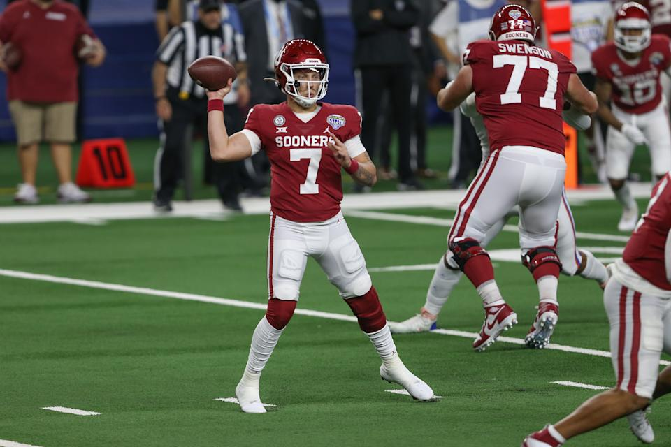 ARLINGTON, TX - DECEMBER 30: Oklahoma Sooners quarterback Spencer Rattler (7) passes during the Goodyear Cotton Bowl between Florida and Oklahoma on December 30, 2020 at AT&T Stadium in Arlington, TX. (Photo by George Walker/Icon Sportswire via Getty Images)