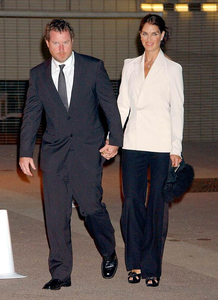 "Brooke Shields steps out with hubby Chris Henchy to welcome the Beckhams. Gregg DeGuire/<a href=""http://www.wireimage.com"" target=""new"">WireImage.com</a> - July 22, 2007"