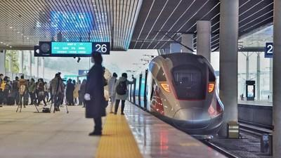 Chengdu-Chongqing high-speed railway bullet train. Sichuan has formed a whole industrial chain of the rail transportation industry