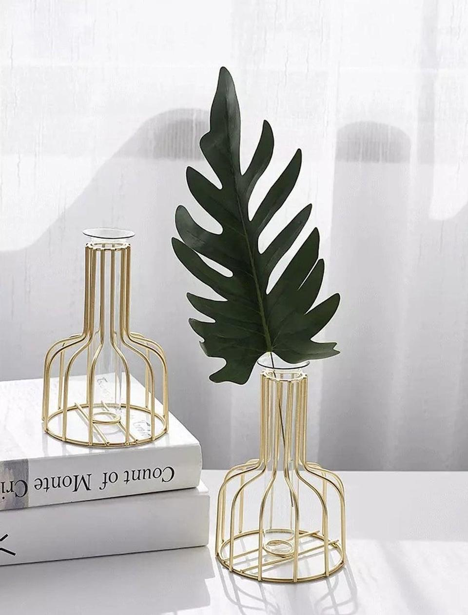 <p>This <span>MLChoice Flower Vase</span> ($21) will look amazing in their living room.</p>