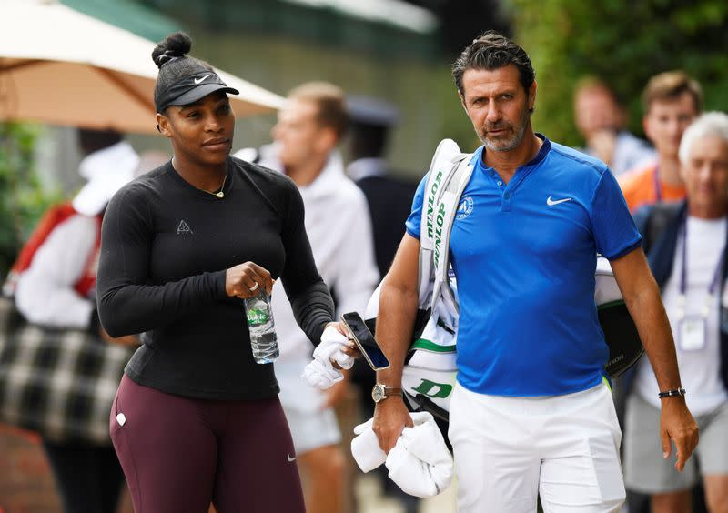 Serena's coach says 'revolting' that players can't make a living