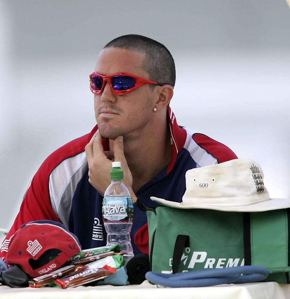 MUMBAI, INDIA - FEBRUARY 17: Kevin Pietersen of England with his newly cropped hair gestures during England net practice at The Brabourne Cricket Ground on February 17, 2006 in Mumbai, India.  (Photo by Ben Radford/Getty Images)
