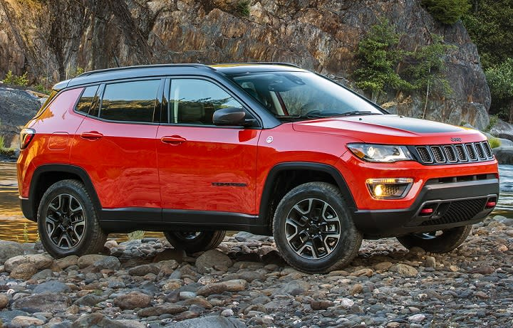 All-new 2017 Jeep Compass front quarter right photo