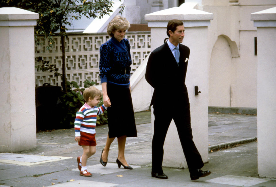 While his son, Prince George, was able to start nursery fairly discreetly, over a 100 sets of eyes were on Prince William as he walked into Mrs. Mynors' institution with his parents back in 1985. <em>[Photo: PA]</em>