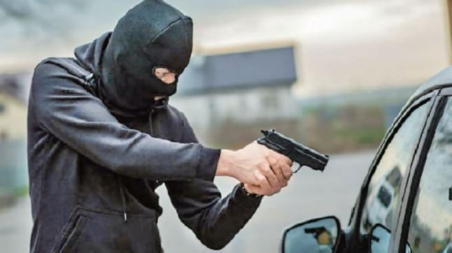 Rising incidents strike fear among people, force Delhi Police to go after criminals inter-state gunrunners.