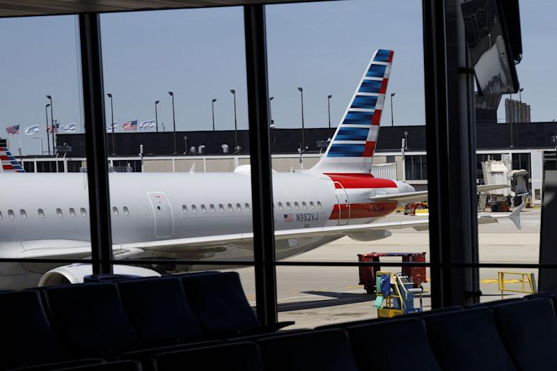 American Airlines Plans 19,000 Job Cuts If Federal Aid Lapses