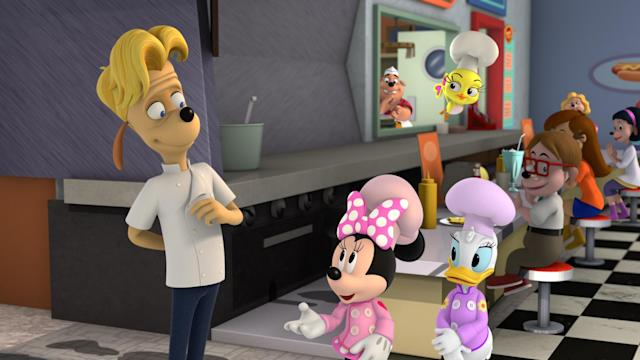 Chef Gerald Oxley (voiced by Gordon Ramsay), Minnie, Daisy, and Cuckoo in the Nov. 5 episode of Disney Junior's <em>Mickey and the Roadster Racers</em>. (Photo: Disney Channel)