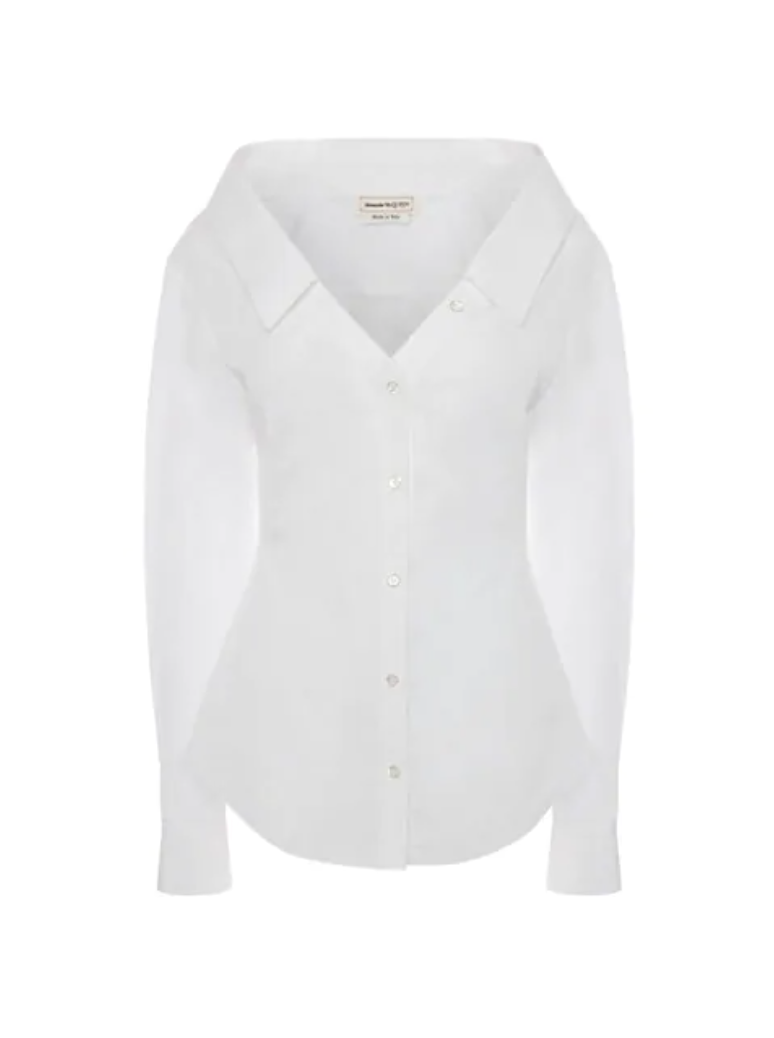 """<p><strong>Alexander McQueen</strong></p><p>saksfifthavenue.com</p><p><strong>$890.00</strong></p><p><a href=""""https://go.redirectingat.com?id=74968X1596630&url=https%3A%2F%2Fwww.saksfifthavenue.com%2Fproduct%2Falexander-mcqueen-open-neck-cotton-poplin-shirt-0400013765132.html&sref=https%3A%2F%2Fwww.townandcountrymag.com%2Fstyle%2Ffashion-trends%2Fg28904847%2Fbest-white-button-down-shirts%2F"""" rel=""""nofollow noopener"""" target=""""_blank"""" data-ylk=""""slk:Shop Now"""" class=""""link rapid-noclick-resp"""">Shop Now</a></p><p>An open-neck style turns up the volume on the va-va-voom in this button down. </p>"""