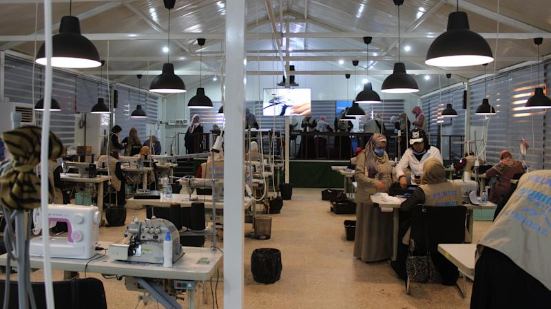 UK scientists team up with Syrian refugees to develop reusable PPE