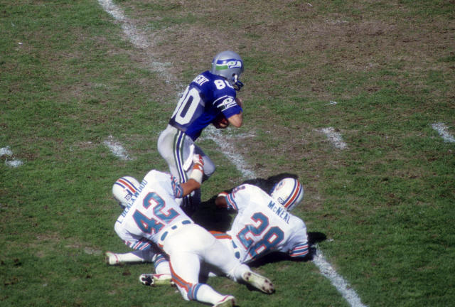 That blue on Steve Largent's jersey really catches the eye, huh? (Photo by Focus on Sport/Getty Images)