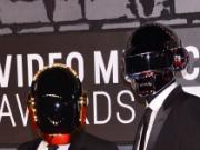 MTV VMAs: Daft Punk Does Nothing After Skipping Stephen Colbert (Video)
