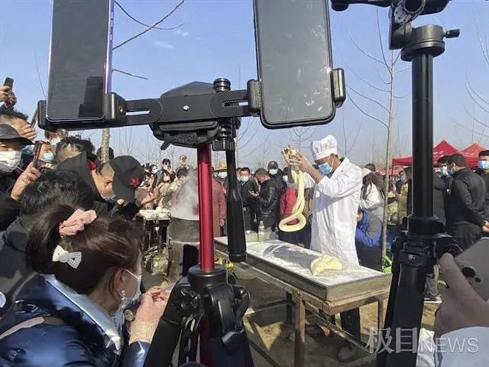 The influx of visitors has created an economic boom for the village. Photo: Baidu