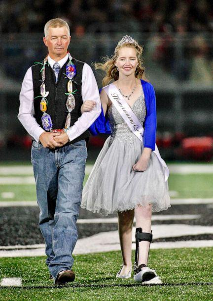 PHOTO: Deserae Turner poses in her crown before the homecoming game. (John Zsiray/5151photos.com)