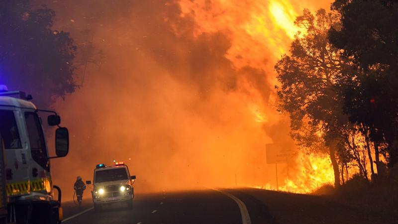 WA firefighters battle tough conditions