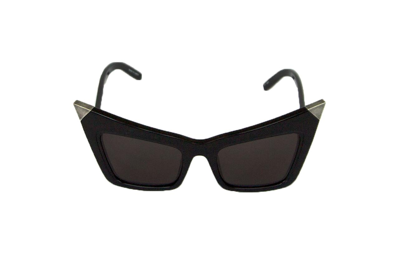 """<p>Celebrities including Kate Moss, Emma Watson and Sarah Jessica Parker are auctioning off their sunglasses in aid of Sightsavers' Specs Appeal. With a personal note included, you can help someone from blindness as well as bag yourself an iconic pair of sunnies. Hurry though for the <a rel=""""nofollow"""" href=""""http://stores.ebay.co.uk/sightsaversuk"""">eBay auction </a>finishes on Sunday. </p>"""