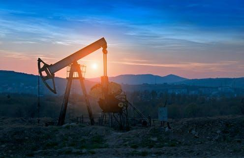 "<span class=""attribution""><a class=""link rapid-noclick-resp"" href=""https://www.shutterstock.com/image-photo/oil-pump-on-orange-sunset-1109422187"" rel=""nofollow noopener"" target=""_blank"" data-ylk=""slk:Perutskyi Petro/Shutterstock"">Perutskyi Petro/Shutterstock</a></span>"