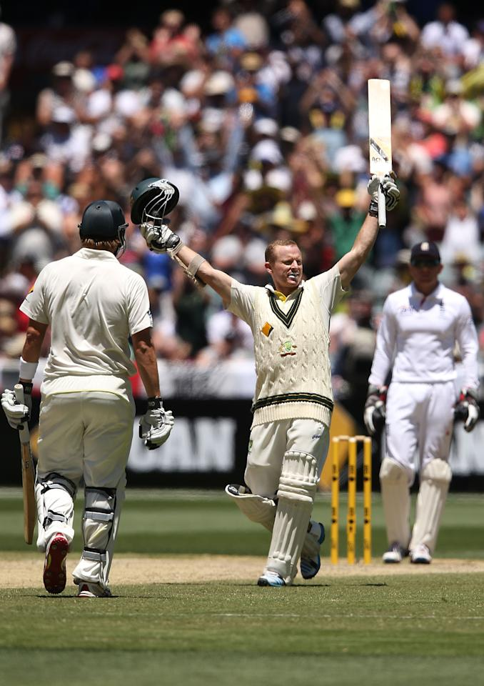 MELBOURNE, AUSTRALIA - DECEMBER 29:  Chris Rogers of Australia celebrates his century during day four of the Fourth Ashes Test Match between Australia and England at Melbourne Cricket Ground on December 29, 2013 in Melbourne, Australia.  (Photo by Michael Dodge/Getty Images)