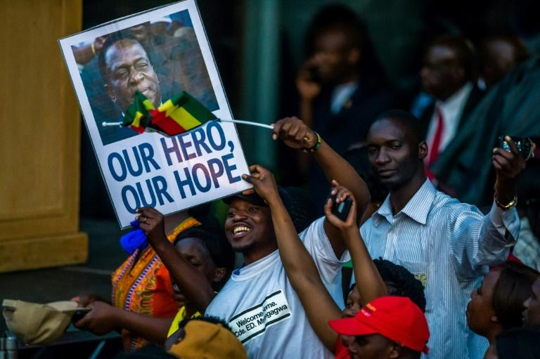 On arrival back in Harare, Emmerson Mnangagwa was treated to a hero's welcome ahead of his inauguration as Zimbabwe's president on Friday