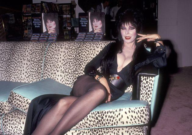 Peterson in character as Elvira in 1991. (Photo: Ron Galella via Getty Images)