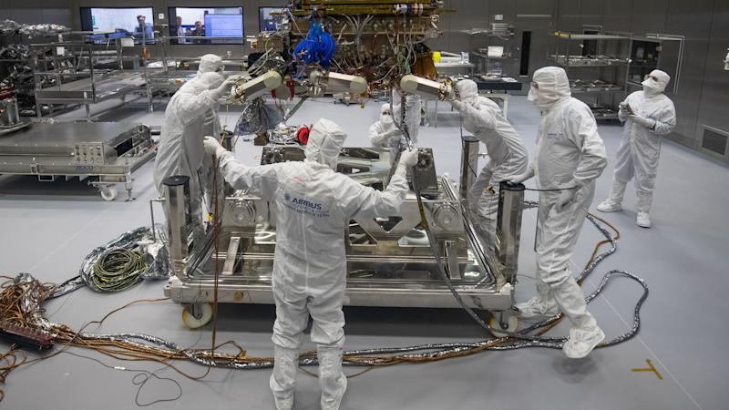 Mars rover mission delayed by two years