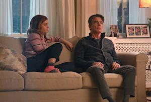 Zoey's Extraordinary Playlist Jane Levy Peter Gallagher
