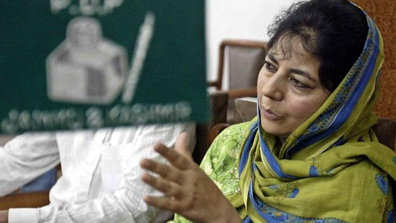 Mehbooba to Meet Modi as Threat of Governor's Rule Looms Over J&K